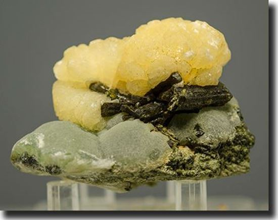 Stilbite, Epidote & Prehnite Mineral Specimen